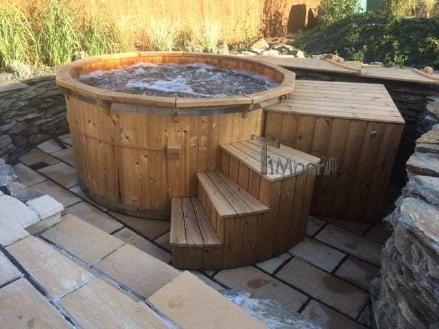 Wooden hot tub Deluxe with internal heater